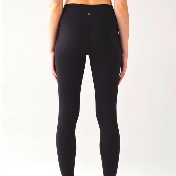 lululemon wunder under leggings size 4 (black)